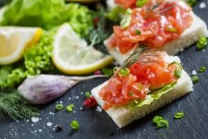 бутерброд с рыбой